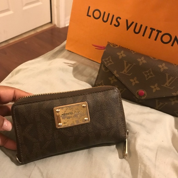 b2454b0282af Michael Kors Bags | Authentic Gently Used Wallet | Poshmark